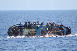At least 880 people died in one week of May 2016 as several boats capsized in the Mediterranean [Reuters]
