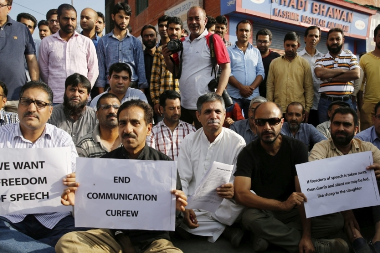 Kashmiri media workers protest against India's closure of newspapers [Farooq Khan/EPA]