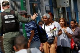 Venezuelan army takes over food distribution services