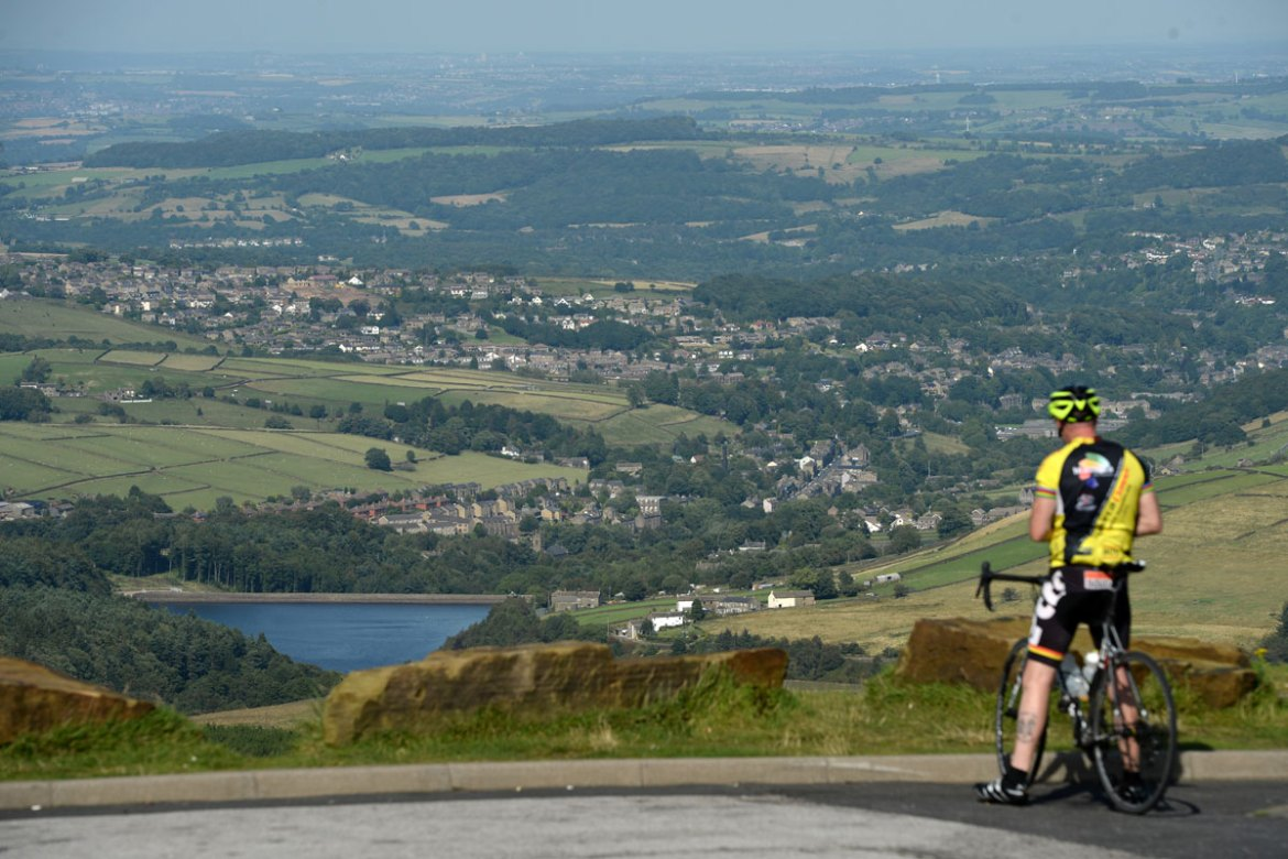 In the UK, blue skies reached Holmfirth, innorthern England, but the hottest weather will be confined to the southeast corner [Oli Scarff/AFP]