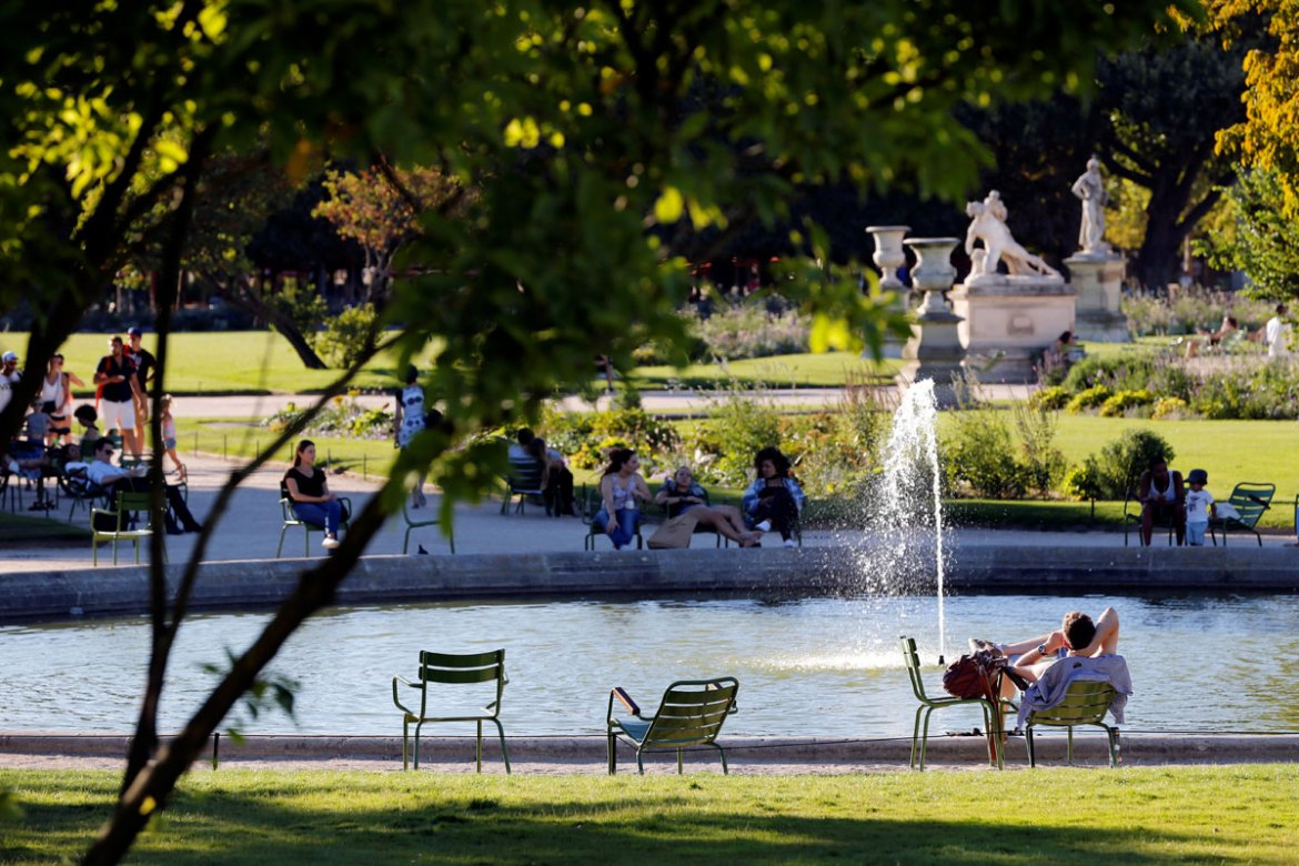 Temperatures in Paris are likely to climb to 36C on Wednesday and Thursday [Matthieu Alexandre/AFP]