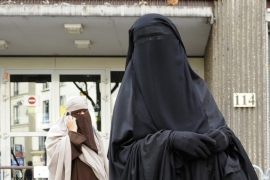 France and Belgium have completely banned wearing face veils in public [RNPS]