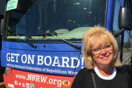 Women hit the road for Donald Trump