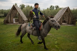 Herders in Mongolia have been working together to manage pasture and mitigate the effects of land degradation and climate change [Taylor Weidman/Al Jazeera]