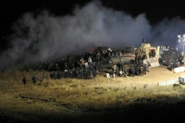 Protesters clash with police at Dakota Access Pipeline