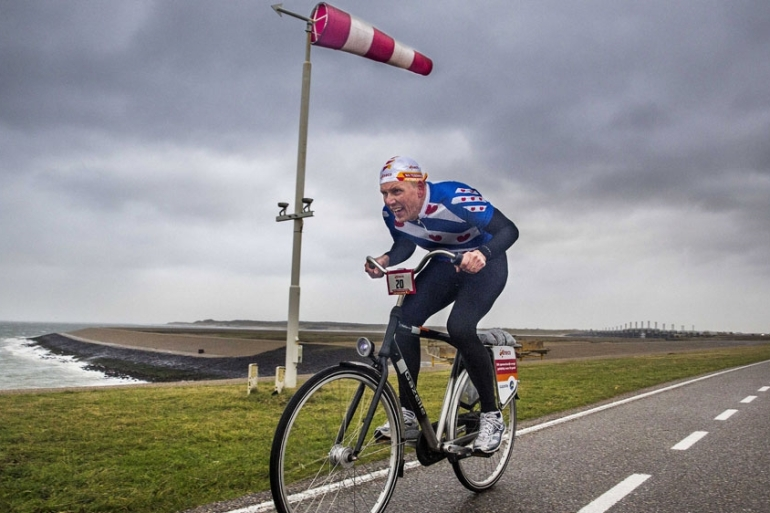 The Dutch National Championship 'Cycling against the wind' at the Oosterscheldekering, in the Netherlands [Arie Kievit/EPA]