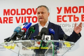 Dodon said he would push for early parliamentary elections in 2017 [Gleb Garanich/Reuters]