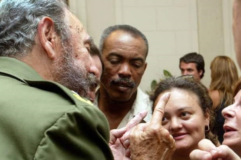 Lucia Newman in a heated discussion with Fidel Castro [Al Jazeera]