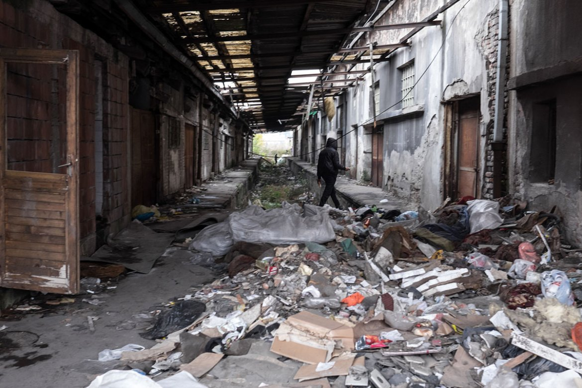 An abandoned depot behind the central train station in Belgrade now serves as shelter for hundreds of refugees stranded in Serbia. [Ioana Moldovan/Al Jazeera]