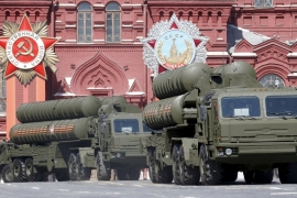 Russian S-400 air defence mobile missile launching systems drive during a rehearsal for the Victory Day parade in Red Square in central Moscow [Reuters/Grigory Dukor]