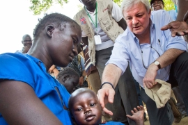 Stephen O'Brien visited South Sudan for two days [Albert Gonzalez Farran/AFP]