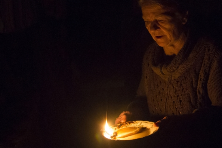 Kiev says Luhansk has nearly $100m in unpaid electricity charges [Dmitry Lovetsky/AP]