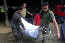 Philippines: 19 dead as troops fight ISIL-linked groups