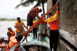 Sri Lanka races to rescue flood victims as toll rises
