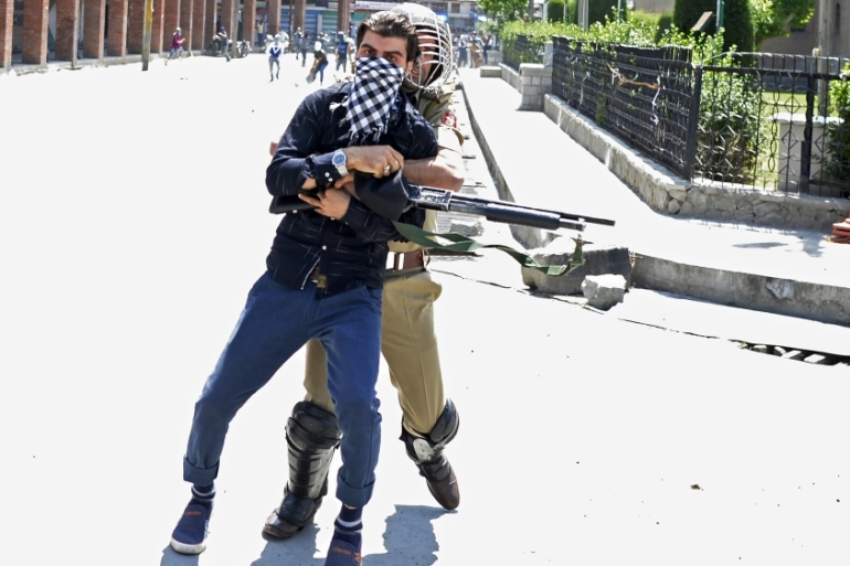 Violence in disputed Kashmir has risen to new levels over the past few weeks [Tauseef Mustafa/AFP]