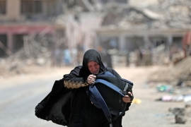 More than 750,000 people have been displaced from Mosul since October [Karim Sahib/AFP]