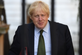 Boris Johnson called the Gulf Arab countries to lift the blockade against Qatar [File: Chris J Ratcliffe/Getty Images)