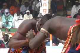 Niger wrestlers face off in championship event