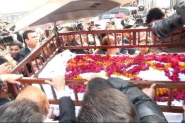 Thousands pay respects to Pakistan's 'human rights giant'