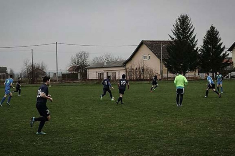 Footballers from the Zagreb 041 club practise in the Croatian capital [Courtesy of Zagreb 041's Facebook]
