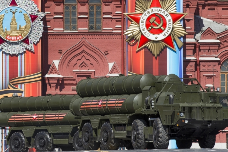 The S-400 air defence missile systems drive during a rehearsal for the Victory Day military parade in Red Square in Moscow, Russia, May 7, 2017. [Photo/Alexander Zemlianichenko/AP]