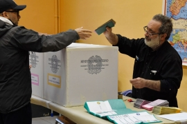 Italy votes in uncertain general election