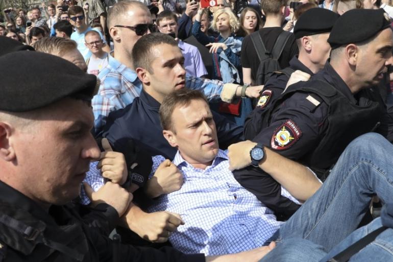 Alexei Navalny: Putin's sole political nemesis | Vladimir Putin News | Al  Jazeera