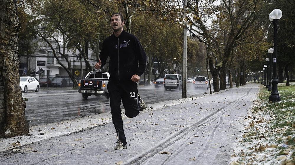Snow Falls In Santiago Latin America Al Jazeera