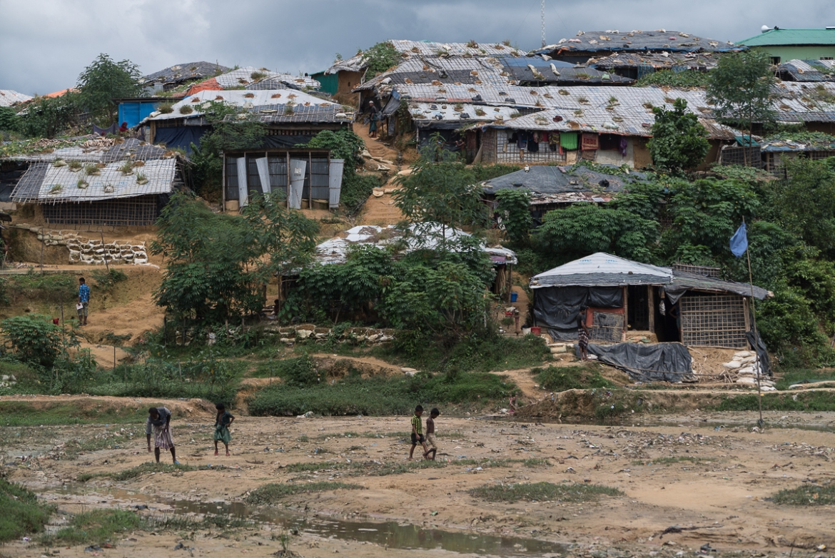 A total of 200,000 out of more than 900,000 refugees are categorised as at risk from flooding and landslides. About 24,000 of them are considered as being at high risk. [Sorin Furcoi/Al Jazeera]