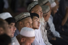 Uighur Muslim worshipers attend an early afternoon prayer session at the Kashgar Idgah mosque in Xinjiang province. Photo taken August 5, 2008 [Nir Elias/Reuters]