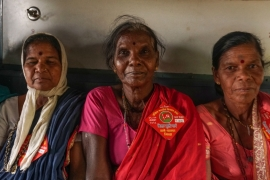 For women, travelling to join the Dilli Challo march means leaving their children behind and missing the harvest back home [Shone Satheesh/Al Jazeera]
