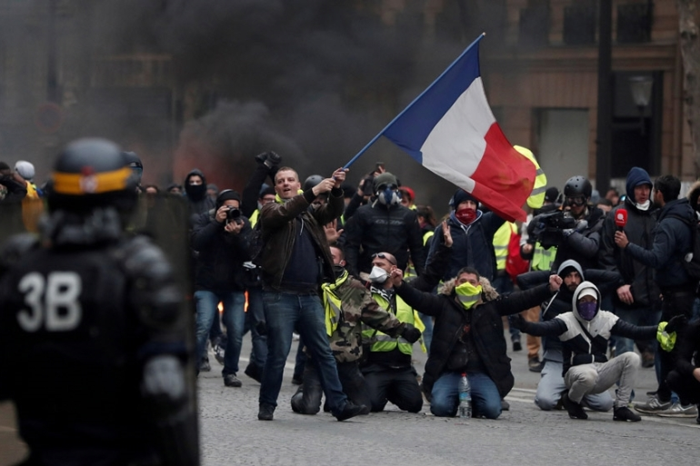 Egypt Restricts Sale Of Yellow Vests Amid Fear Of Protests Europe Al Jazeera