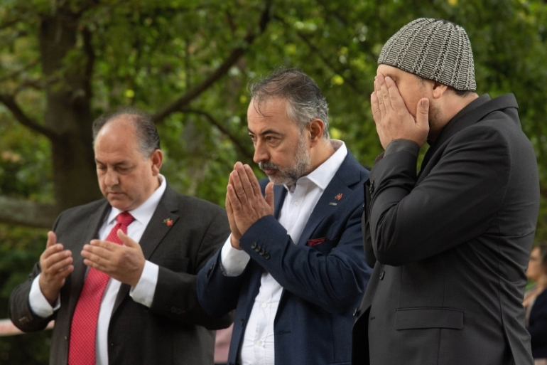 Men pray in Christchurch on March 17, 2019 two days after a shooting incident at two mosques in the city [Marty Melville/ AFP]