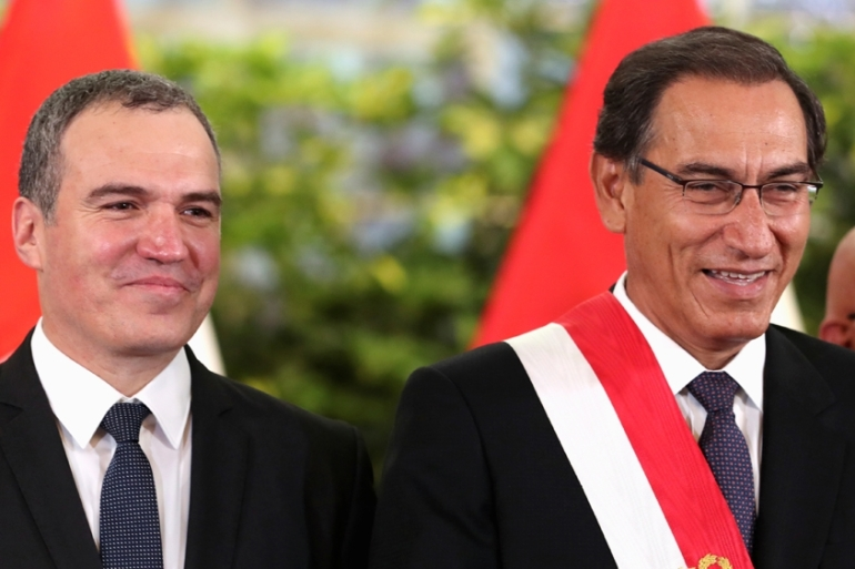 Salvador del Solar (L) served as culture minister under the previous government but is better known for his screen roles [Guadalupe Pardo/Reuters]