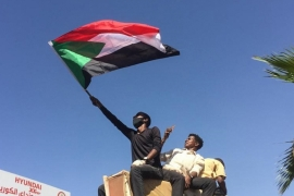 Sudan: All eyes on army as anti-Bashir protests intensify