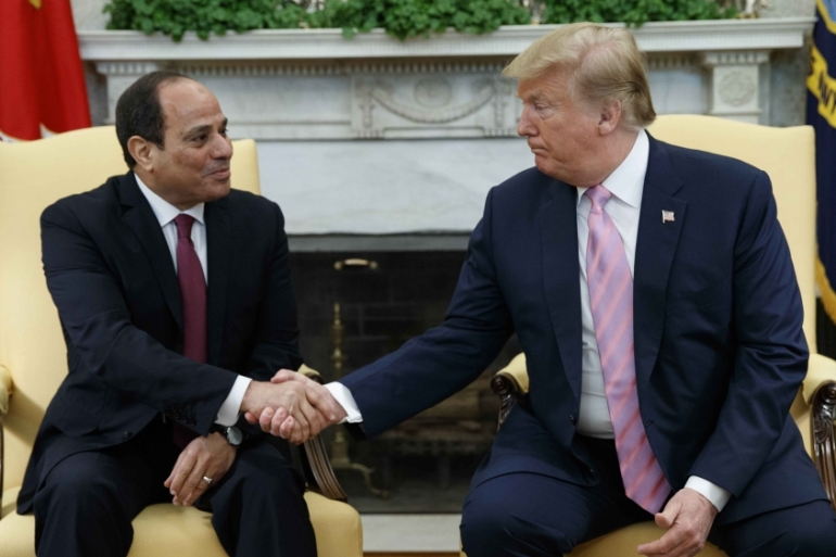 President Donald Trump met with Egyptian President Abdel Fattah el-Sisi in the Oval Office of the White House on April 9, 2019 [AP/Evan Vucci]