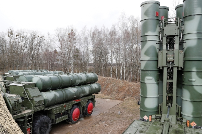 File: A new S-400 'Triumph' surface-to-air missile system seen near Kaliningrad, Russia [File:Reuters]