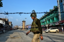 Indian-administered Kashmir remains under a virtually lockdown for nearly two weeks [Muzamil Mattoo/Getty Images]