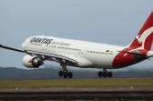 Qantas CEO Alan Joyce says the airline was forecasting international capacity would be only 40 percent of pre-COVID levels in the 2022 financial year [File: Brendon Thorne/Bloomberg]