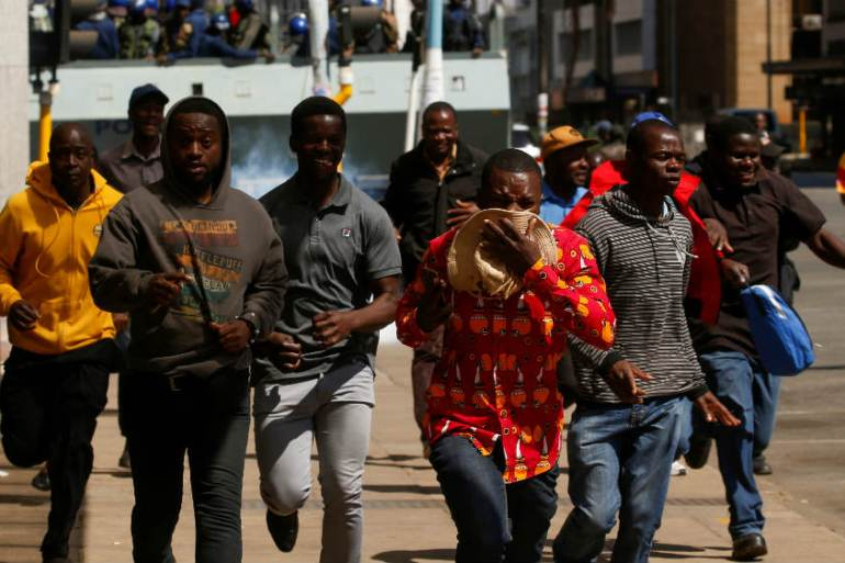 85 hurt in anti-government protests in Zimbabwe