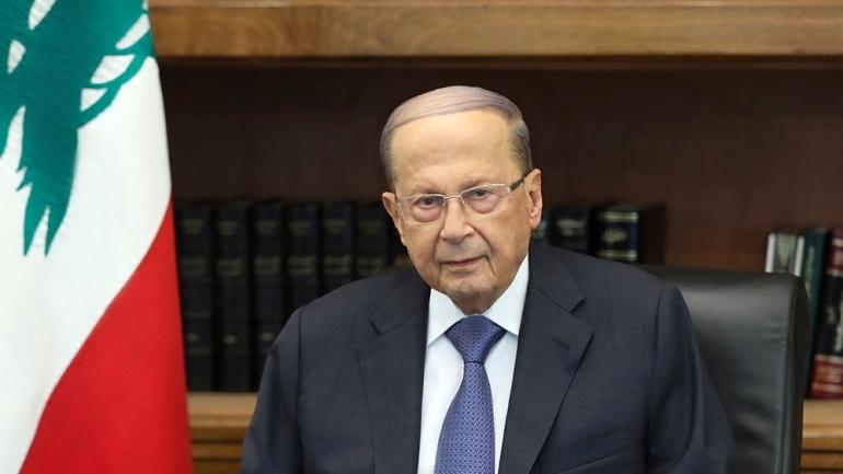 In questa foto rilasciata dal governo libanese, il presidente libanese Michel Aoun si rivolge a un discorso, nel palazzo presidenziale, a Baabda, a est di Beirut, Libano, giovedì 24 ottobre 2019. Aoun tol