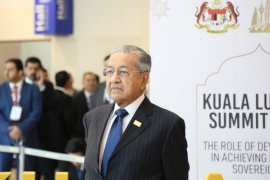 Mahathir questioned the necessity of the new citizenship law saying people of different religions have lived together as citizens in India without any problem for the last 70 years [Ted Regencia/Al Jazeera]