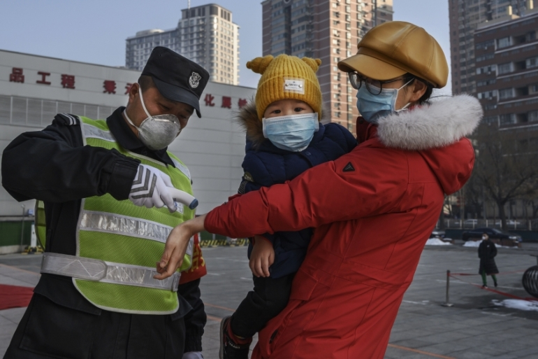 The death toll in mainland China has now reached more than 1,000, after 108 people died from the virus on Monday [Getty Images]