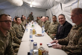 Secretary of State Pompeo shares lunch with US troops at the Prince Sultan airbase [Andrew Caballero-Reynolds via Reuters]