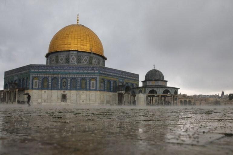 Jerusalem's Al-Aqsa Mosque shut as precaution against coronavirus | Al-Aqsa  Mosque News | Al Jazeera