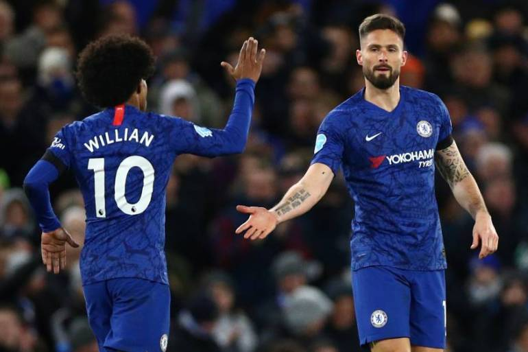 Chelsea stars Willian and Olivier Giroud are just two of dozens of star players whose contracts with European clubs are due to expire [Hannah McKay/Reuters]
