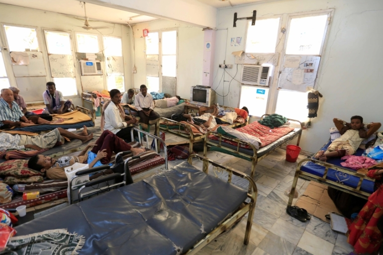 People with kidney failure at a hospital in the Red Sea port city of Hodeidah, Yemen [Reuters/Abduljabbar Zeyad]