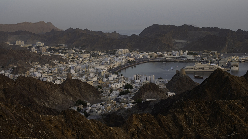 Cash-strapped Oman plans income tax on wealthy starting 2022