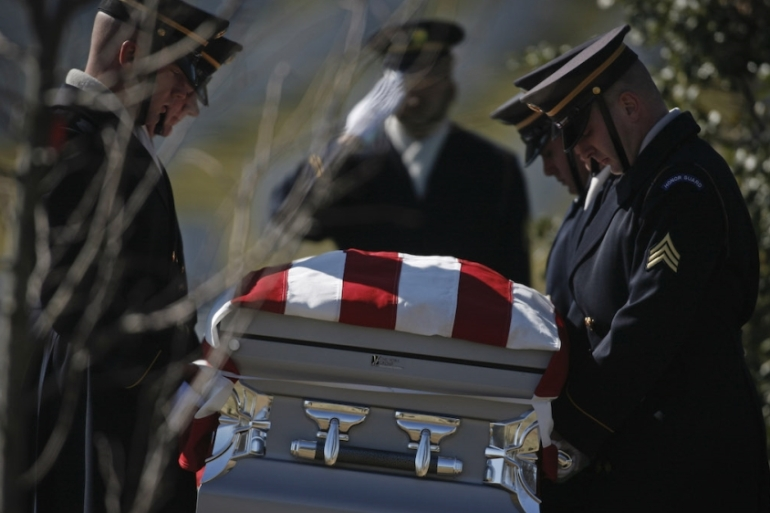 Funeral of Army Sergeant Richard Ford at Arlington National Cemetery on March 5, 2007; Ford died of wounds suffered during combat operations near Baghdad, Iraq [File: Charles Ommanney/Getty Images]