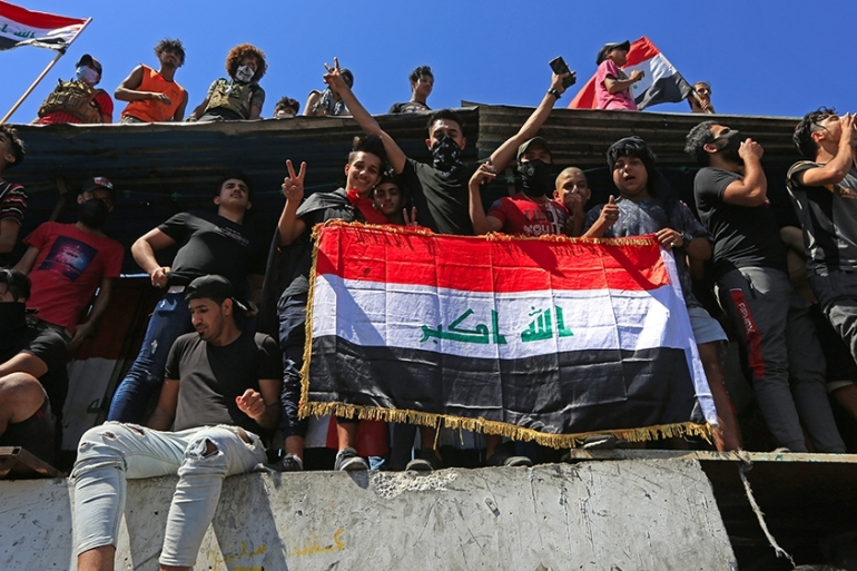 Hundreds of Iraqis have gathered in central Baghdad for fresh anti-government protests [Murtadha Al-Sudani/Anadolu]
